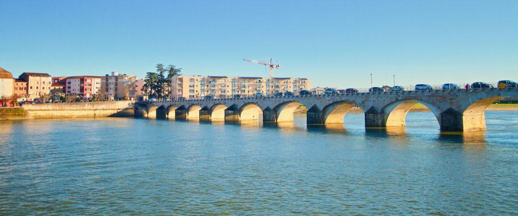 pont de saint laurent sur saone vue saint lau